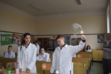Felhívás a XVIII. Kovács Sztrikó Zoltán fizika-kémia diákversenyen való részvételre - A cikkhez tartozó kép