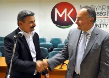Az MKP két korábbi elnöke került a párt EP-választási listájának élére - A cikkhez tartozó kép