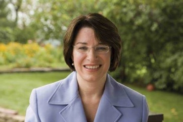Amy Klobuchar személyében újabb elnökjelölt-aspiránsa van az amerikai Demokrata Pártnak - A cikkhez tartozó kép