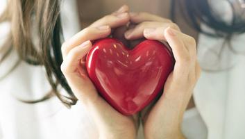 A szívet védő jó éjszakai alvás egyik rejtélyét fedték fel amerikai kutatók - illusztráció