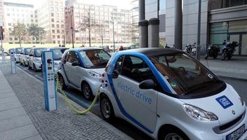 Készül az elektromos autók otthon töltésének áramértékesítési konstrukciója - illusztráció
