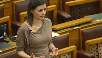 Mi Hazánk: Adja vissza a mandátumát, aki szerint értelmetlen a parlamenti munka! - illusztráció