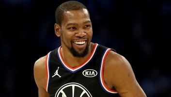 Kosárlabda: LeBron James csapata nyerte az NBA All Star-meccsét - illusztráció