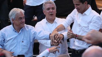 Megérkezett a venezuelai ellenzéki vezető a segélyekkel teli kolumbiai raktárba - illusztráció