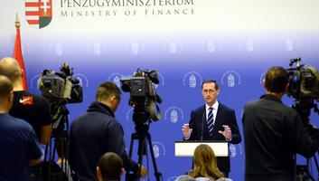 Varga Mihály: Ismét kedvező visszajelzést kapott a magyar gazdaság - illusztráció