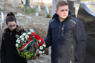 Ürményháza: Ünnep és emlékezés - A cikkhez tartozó kép