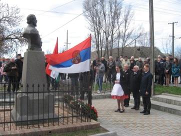 A magyarittabéi Kossuth-szobornál ünnepelt a magyar közösség - A cikkhez tartozó kép