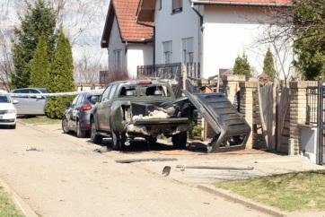 Topolya: Pokolgép robbant egy terepjáró alatt - A cikkhez tartozó kép