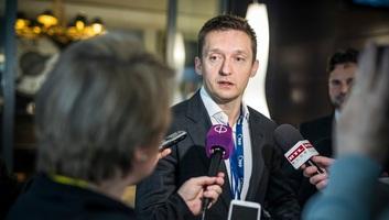 Rogán: A Fidesz addig marad a néppártban, amíg az nem lesz bevándorláspárti - illusztráció