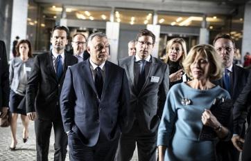 Napi fotó: Joseph Daul néppárti elnök azt...