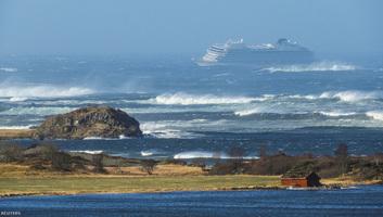 Irányíthatatlanul sodródik a norvég part felé egy óceánjáró hajó 1300 emberrel - illusztráció