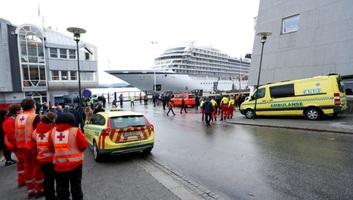 Kikötött Norvégiában a bajba jutott Viking Sky luxushajó - illusztráció