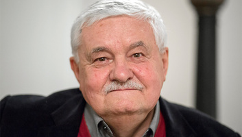 Végel László a Vajdasági Íróegyesület életműdíjasa - illusztráció