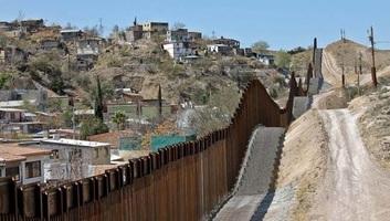 Egymilliárd dollárt fordít a Pentagon kerítésépítésre a mexikói határon - illusztráció