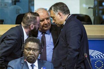 Orbán Viktor Brüsszelben tárgyal - A cikkhez tartozó kép