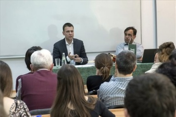 Menczer Tamás: Az őshonos kisebbségek fontosabbak, mint az illegális bevándorlók - A cikkhez tartozó kép