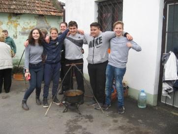 Ifjúsági főzőverseny Muzslyán - A cikkhez tartozó kép