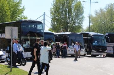 Több ezren indultak Újvidékről Belgrádba a nagygyűlésre - A cikkhez tartozó kép