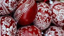 Szerbiai tisztségviselők húsvéti jókívánságai - illusztráció