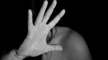 A szerbiai nők egyharmada szerint a családon belüli erőszak magánügy - illusztráció