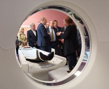 Átadták az új CT berendezést a zentai kórházban - A cikkhez tartozó kép