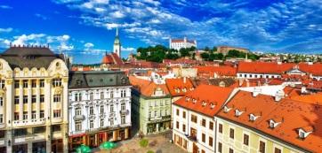 Kikerült az idegen országok himnuszának éneklését korlátozó rész az állami jelképekre vonatkozó szlovák törvényből - A cikkhez tartozó kép