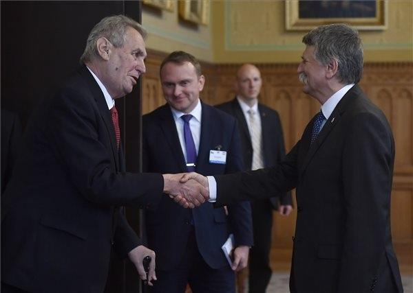 Kövér László, az Országgyűlés elnöke  fogadja Milos Zeman cseh államfőt  a Parlamentben