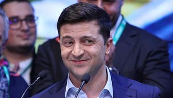 Zelenszkij beiktatása: Letette az elnöki esküt az új ukrán elnök, és bejelentette a parlament feloszlatását - illusztráció