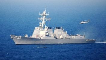 Áthaladt a Kína által követelt tengeri területen egy amerikai hadihajó - illusztráció