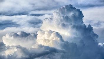 A nagy légtömegek vándorlási irányának változása okozhatja a szélsőséges időjárást - illusztráció