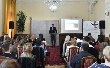 Miniszteri biztos: A kormány célja a világban élő 15 milliós magyarság összekötése - A cikkhez tartozó kép