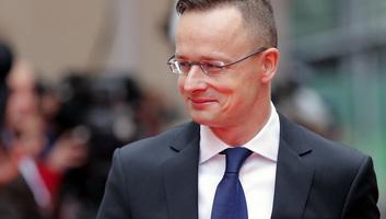 Szijjártó Péter: A nemzeti érdekre fókuszáló politika gazdasági sikereket is hoz - illusztráció
