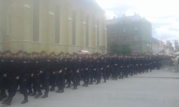 Vučić Újvidéken: Megvédjük a polgárokat, törődünk a rendőrökkel - A cikkhez tartozó kép