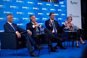 Vučić Thacinak Pozsonyban: Töröljék el a vámokat, s folytathatjuk a párbeszédet - A cikkhez tartozó kép