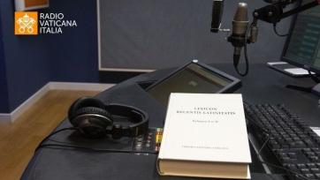 Latin nyelvű rádiós hírműsort indított a Vatikán - A cikkhez tartozó kép
