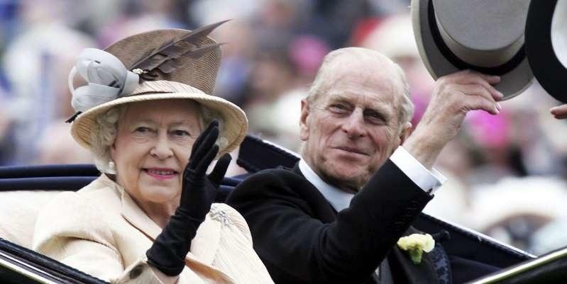 Feleségével, a királynővel