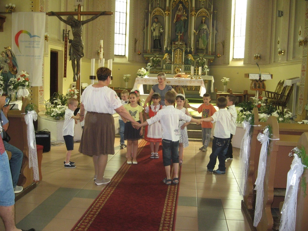Egy kis műsor is volt a templomban