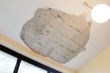 Szabadka: Diákokra szakadt a plafon egy darabja - A cikkhez tartozó kép
