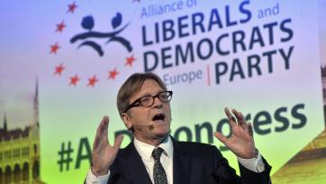 """""""Újítsuk meg Európát"""" néven alakítanak közös EP-frakciót a liberálisok Macron pártjával - A cikkhez tartozó kép"""