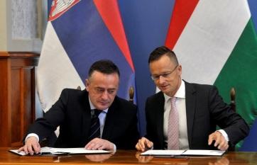 Napi fotó: A magyar-szerb határt keresztező...