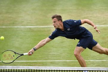 Tenisz: Fucsovics kikapott Raonictól Stuttgartban - A cikkhez tartozó kép