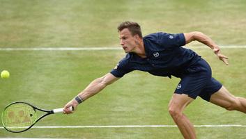 Tenisz: Fucsovics kikapott Raonictól Stuttgartban - illusztráció
