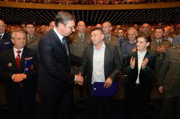 Vučić: Szerbia erőteljes választ ad, ha megtámadják - A cikkhez tartozó kép