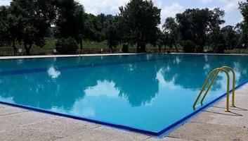 Zenta: Szerdán indul a fürdőszezon a kék medencénél - illusztráció