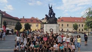 Učenici iz Sente na studijskom putovanju u Mađarskoj - illusztráció