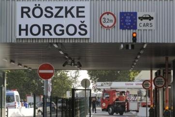 Ismét zavartalan a forgalom a horgos-röszkei közúti határátkelőn - A cikkhez tartozó kép