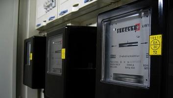 Egy újabb adótétel miatt drágul az áram, az üzemanyag és a földgáz - illusztráció