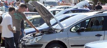 Szerbia polgárainak csaknem fele átlagosan 15 éves autót hajt - illusztráció
