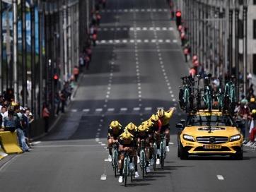 Tour de France: A Jumbo-Visma csapata nyerte az időfutamot - A cikkhez tartozó kép