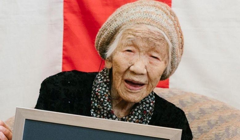 Tanaka Kane, aki a Guiness Rekordok szerint a föld legidősebb embere